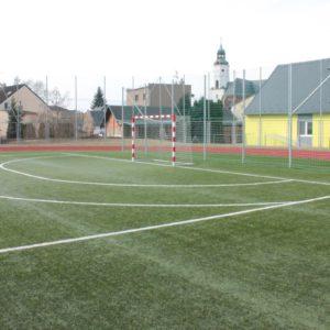 Sportovní areál při ZŠ Kravaře
