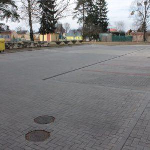 Parkoviště při ZŠ Kravaře