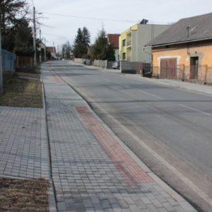 Rekonstrukce chodníků, Hrabyně