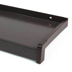 Hliníkový parapet vnější - tažený hliník - vypalovaný lak hnědý (RAL 8019)